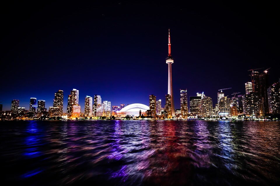 Travel Canada - - CN Tower Toronto