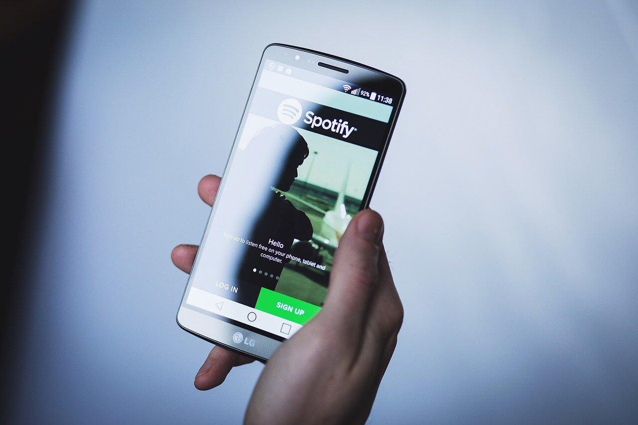 смартфоны и Spotify